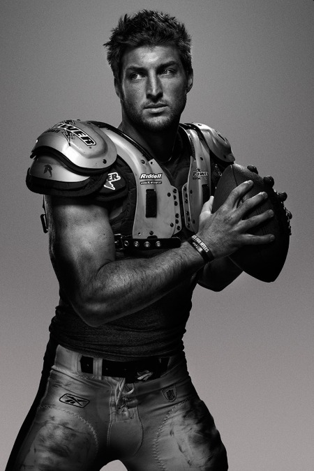 I just never get tired of football hunks! *Sigh*